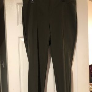 Lafayette 148 size 16 olive Grammercy pant.